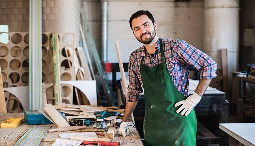 ustasi dolap tezgah kapi agac ahsap cila dizayn dograma doseme  koltuk mobilya pencere tamir tamircisi tamiri tasarim yapimi mutfak tamirat